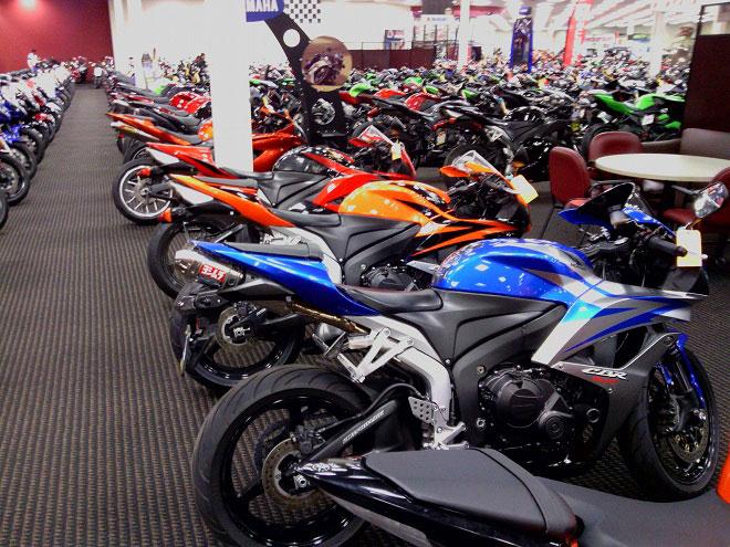 Honda Motorcycle Dealer Los Angeles Bert S Mega Mall Covina California